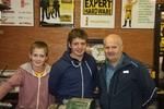 Rónán und Conor mit ihrem stolzen Vater Owen